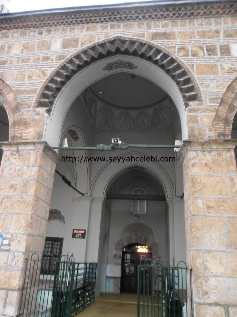 Orhangazi Cami Girişi