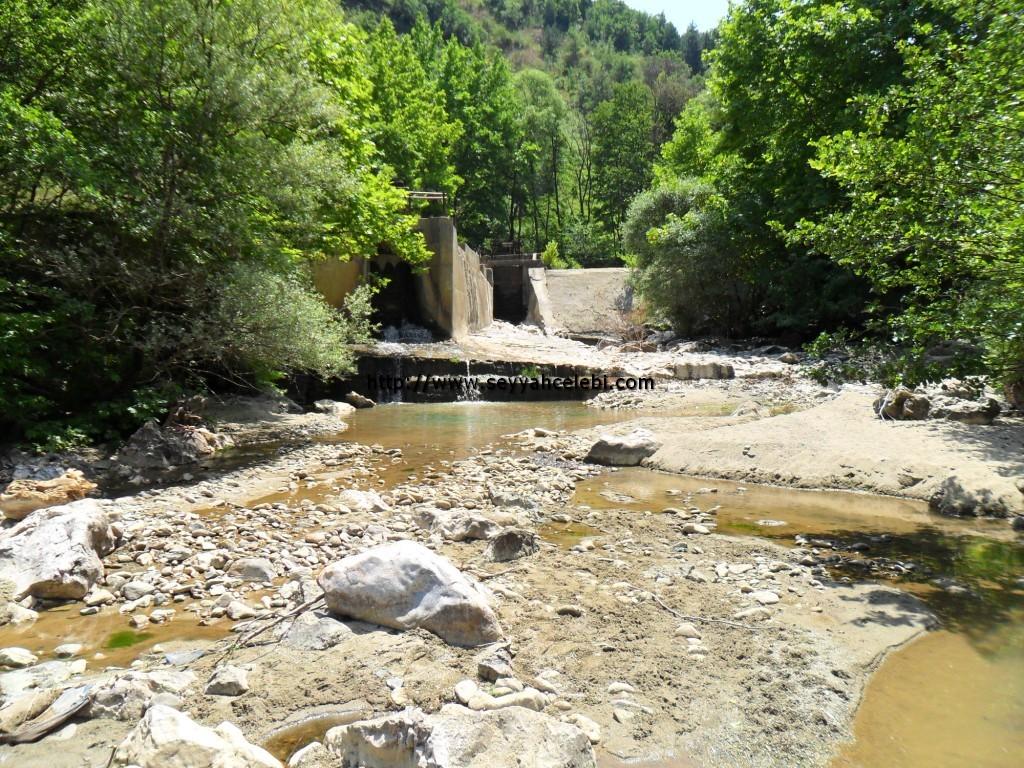Cerrah Deresi Baraj Kapakları