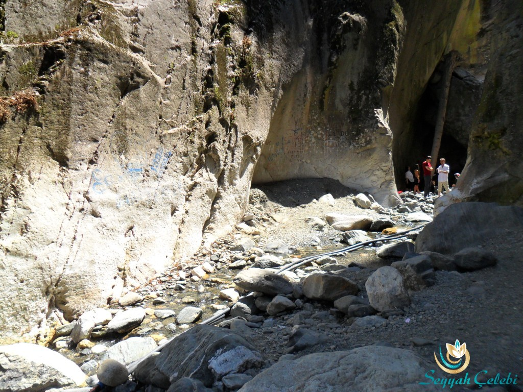 Saitabat Şelalesi Kanyon