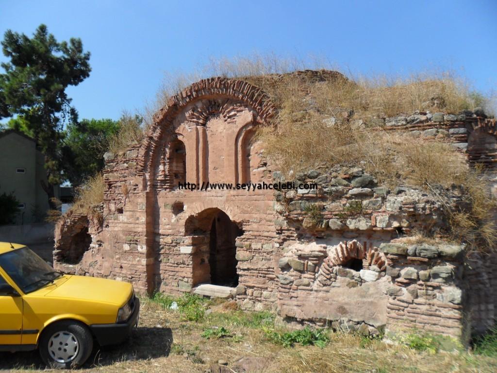 Hagios Aberkios Manastırı Ön Cephe
