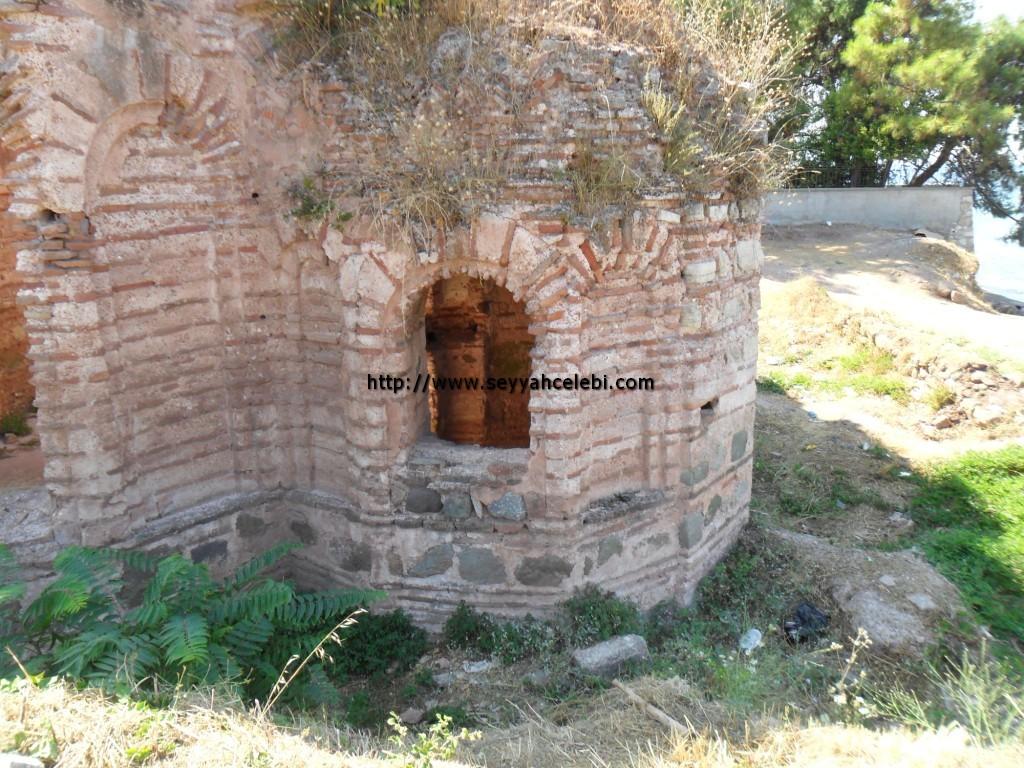 Hagios Aberkios Manastırı Arka Sağ Kısım
