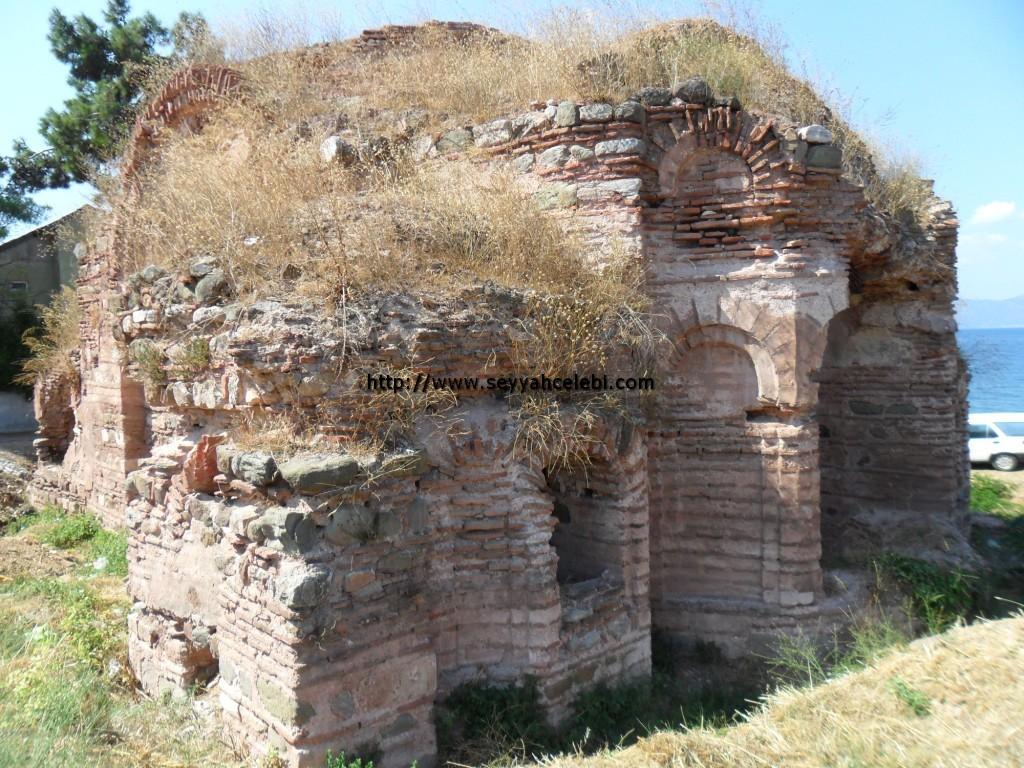 Hagios Aberkios Manastırı Sol Ön Çapraz