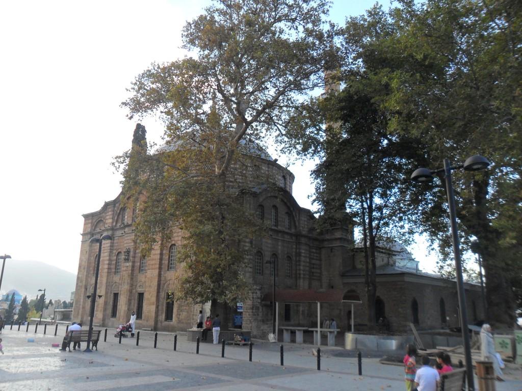 Emir Sultan Meydanı