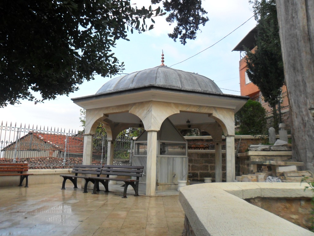 Molla Fenari Cami Şadırvan
