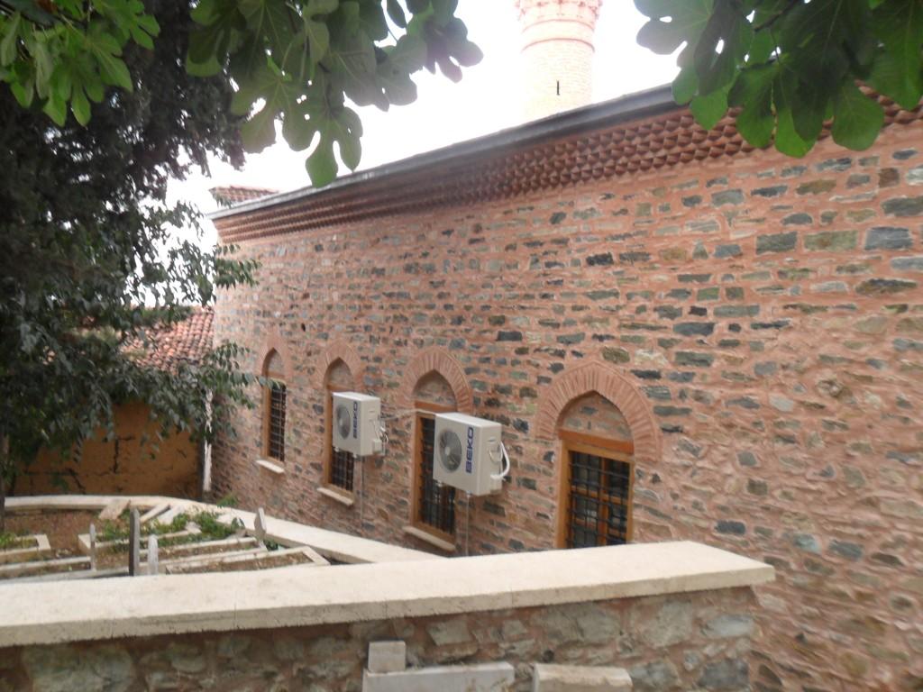 Molla Fenari Cami Yandan