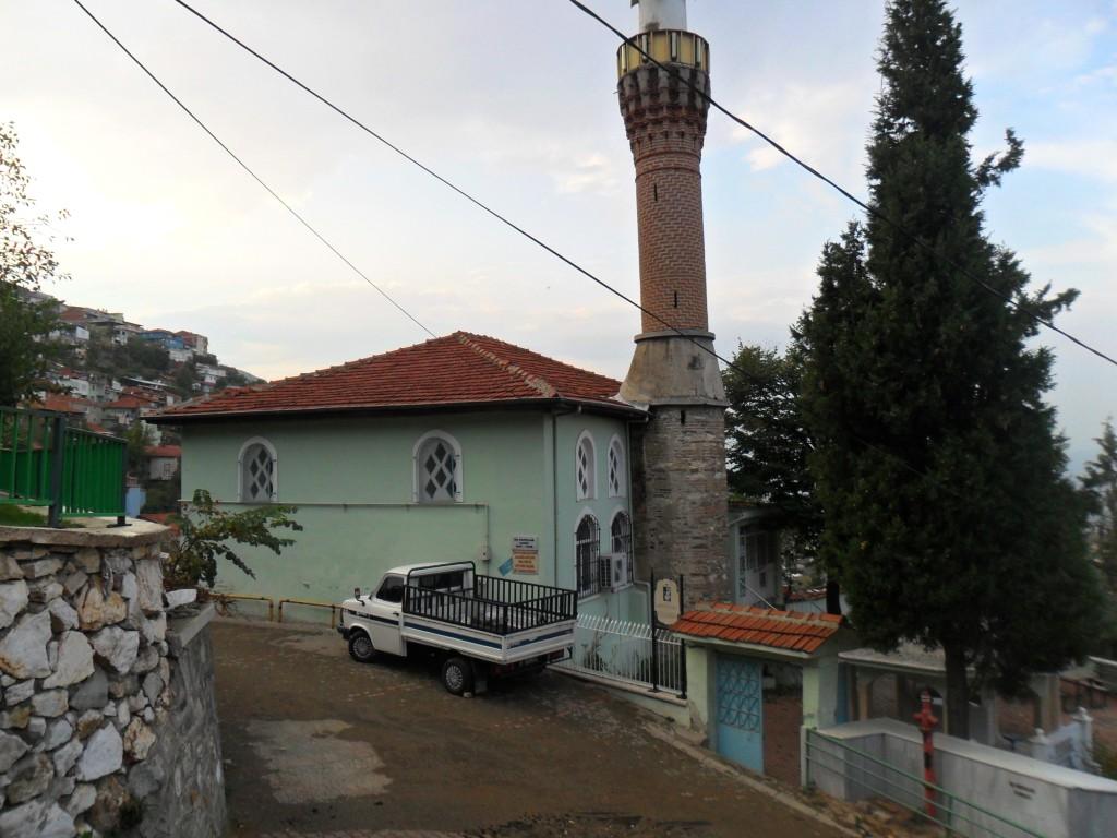 Üç Kuzular Cami Uzaktan
