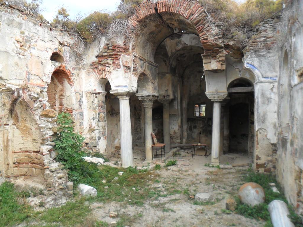 Kemerli Kilise Sütun ve Kemer