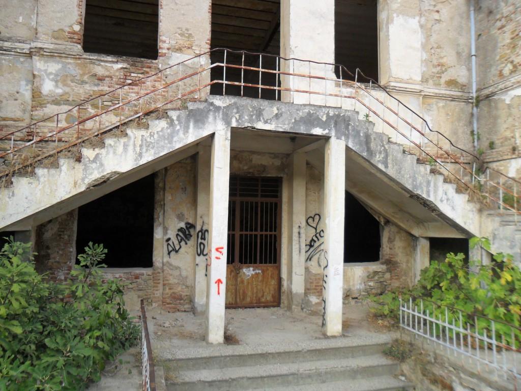 Taş Mektep Giriş Merdivenleri