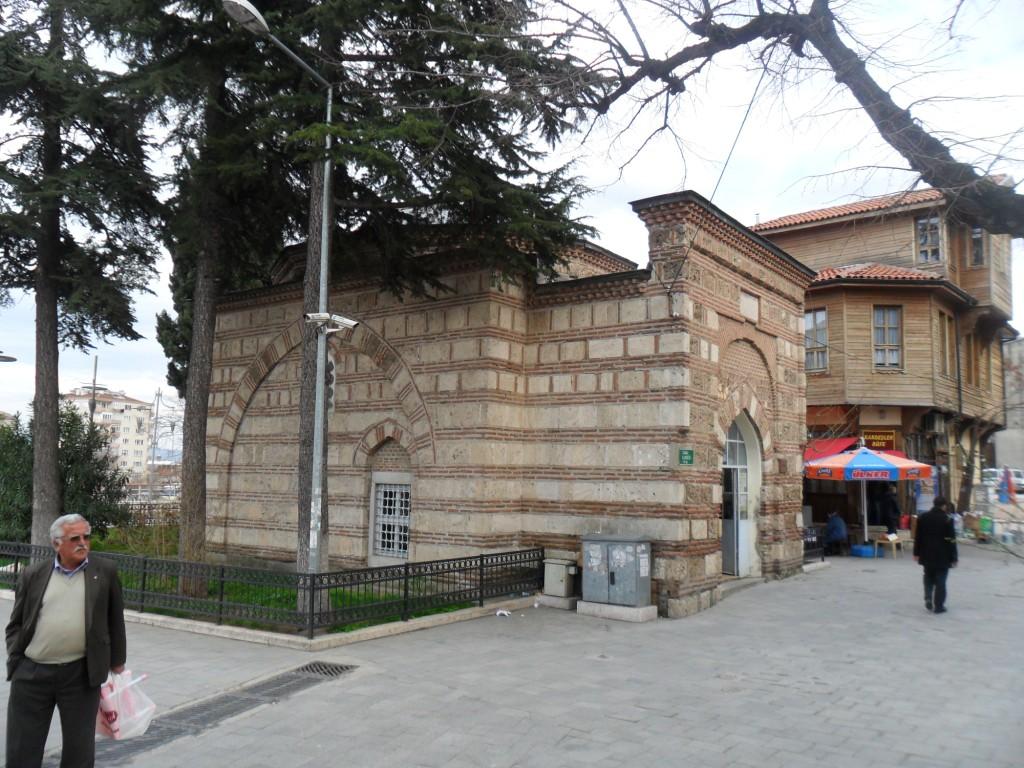 Abdal Mehmed Türbesi Çapraz