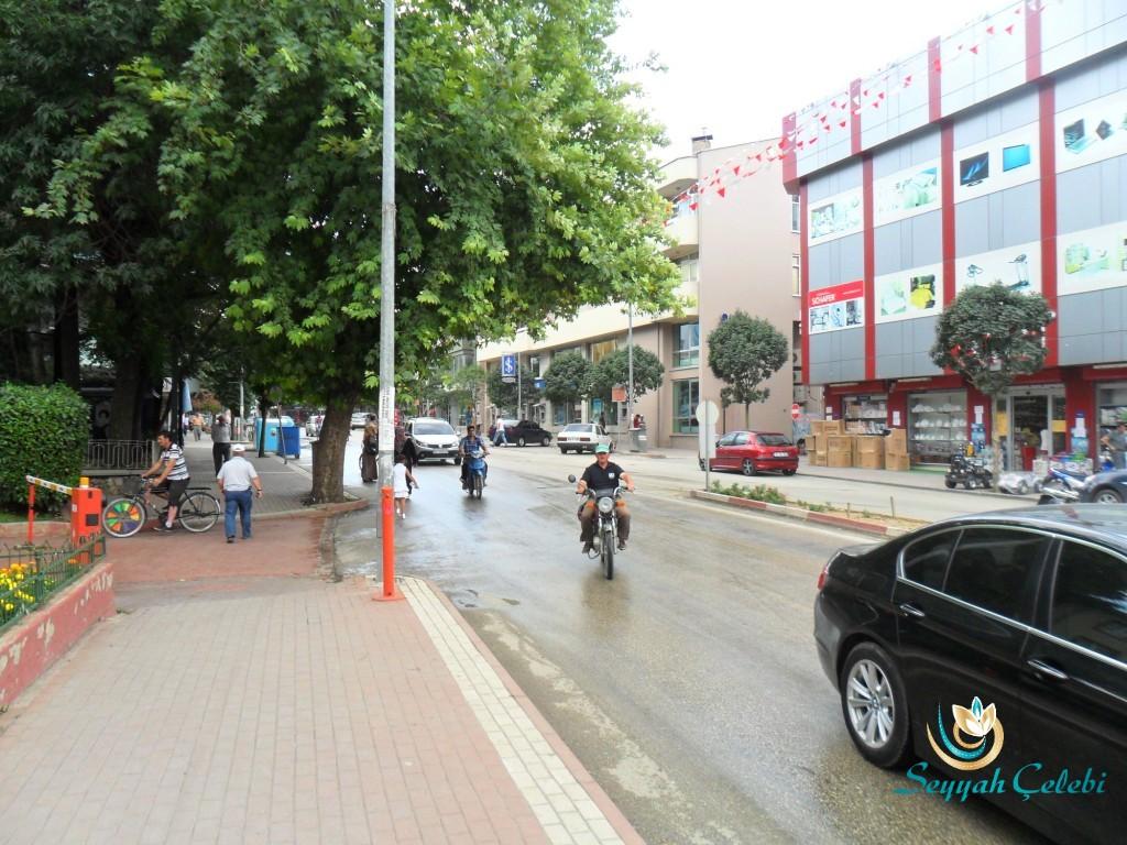 İnegöl Bankalar Caddesi