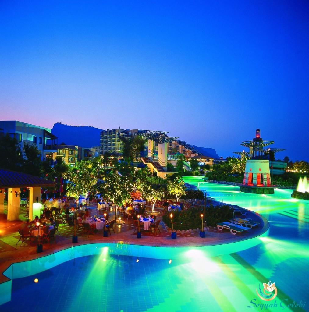 Limra-Hotel-Havuz