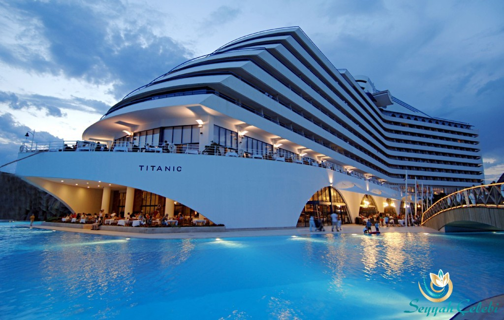 Titanic-Resort-Hotel