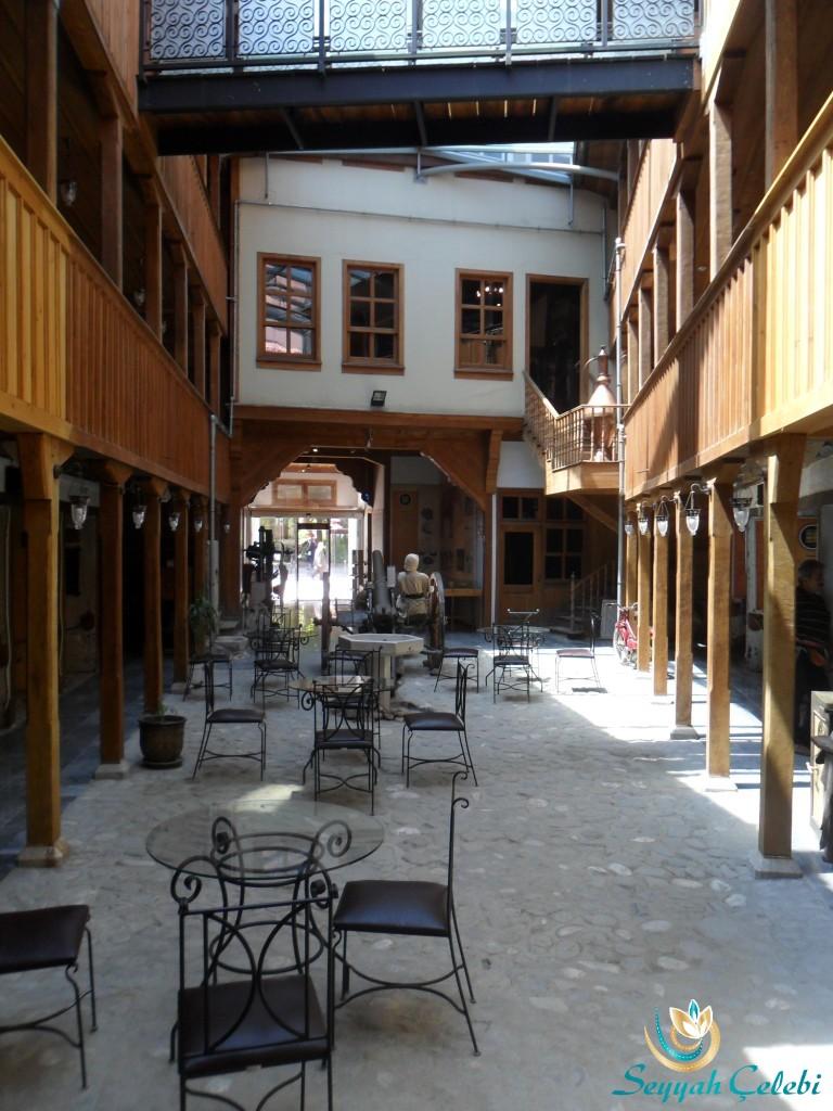 İnegöl Kent Müzesi Zemin