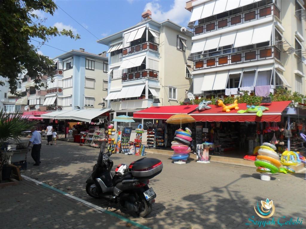 Kumla Cadde Üstü Dükkanlar