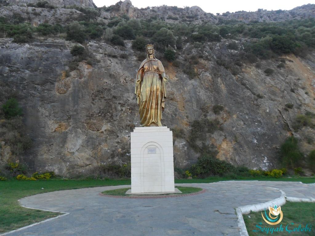 Meryem Ana Evi Heykeli