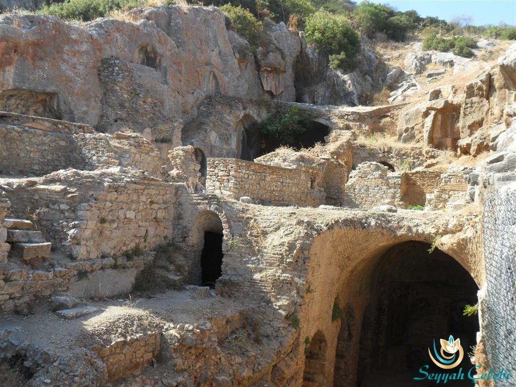 Efes Yedi Uyuyanlar Uyurlar Mağarası