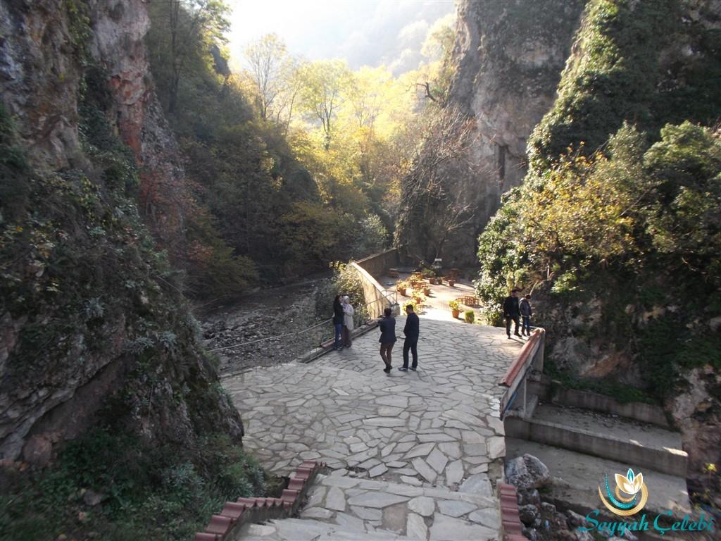 Oylat Mağarası Giriş ve Dere