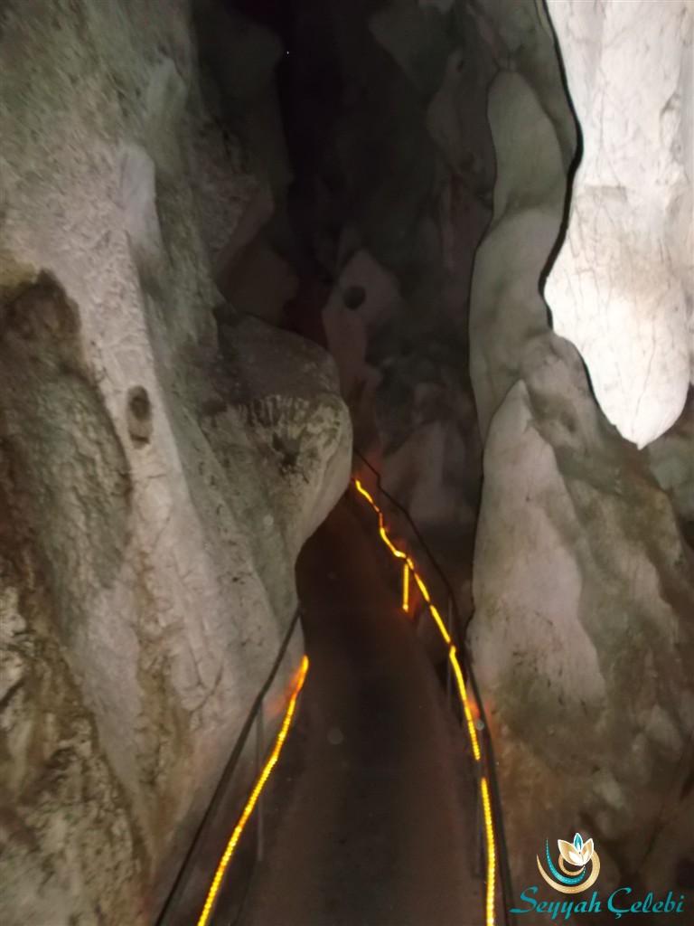 Oylat Mağarası Menderesleri