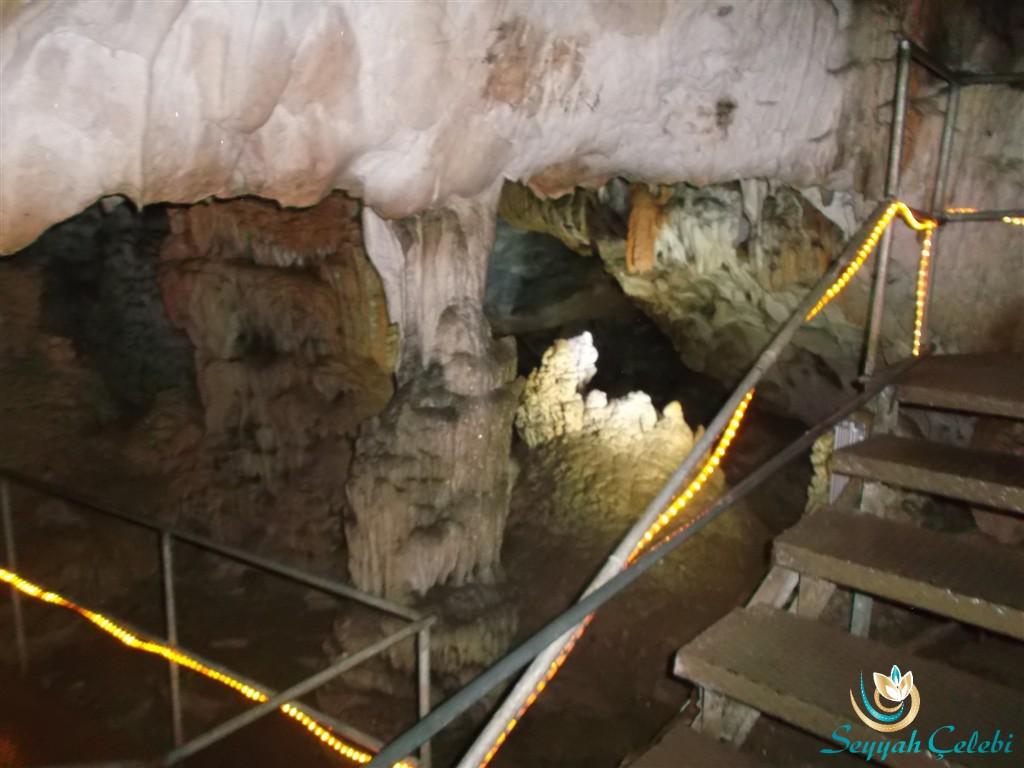 Oylat Mağarası Sarkıt Dikit