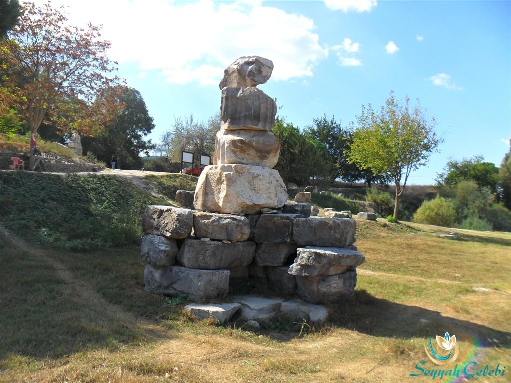 Artemis Tapınağı Sütunları