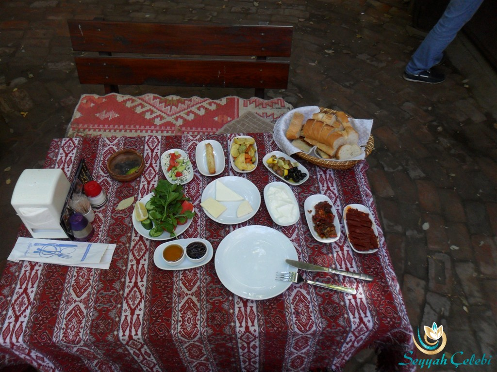 İzmir Selçuk'ta Yavuz'un Yeri Köy Kahvaltısı