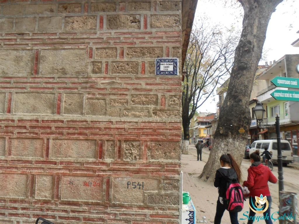 Hacı Özbek Cami Tuğla Taş Yapısı