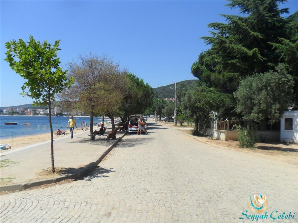 Armutlu Sahili Parkeli Yol