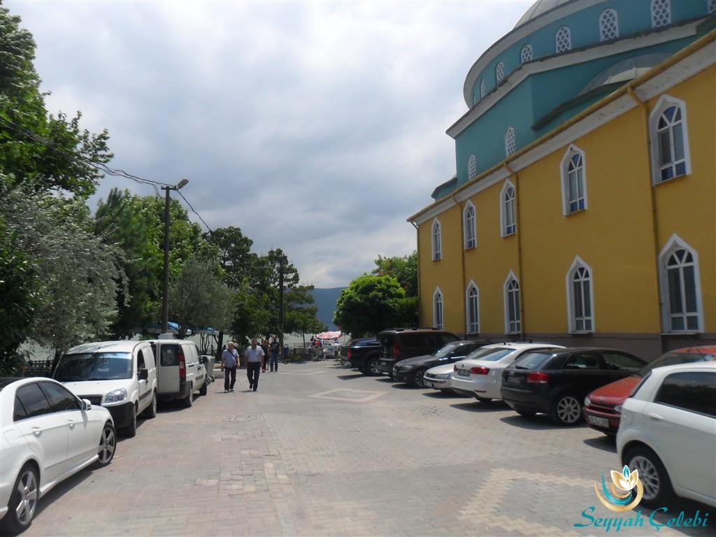 Gölyazı Giriş Camisi