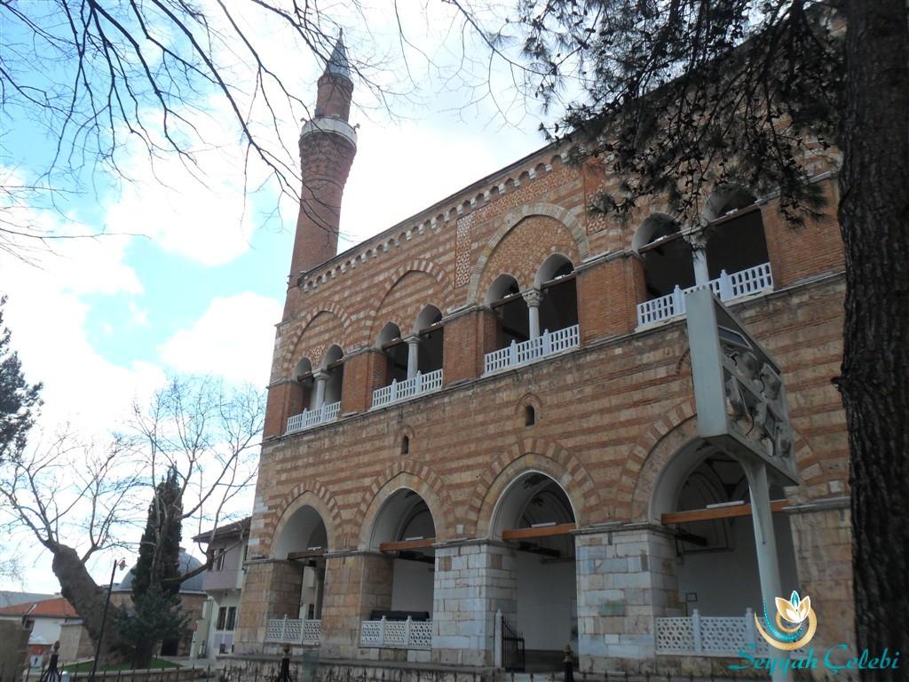 I. Murad Cami Ön Çapraz