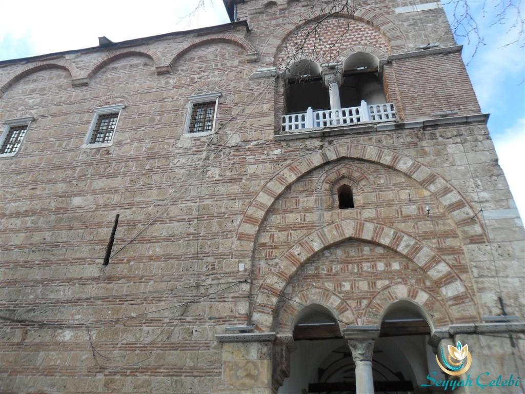 I. Murad Cami Sol Dış Pencereler