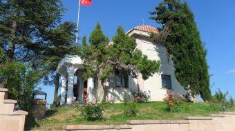Dursun-Fakih-Turbesi-Yandan