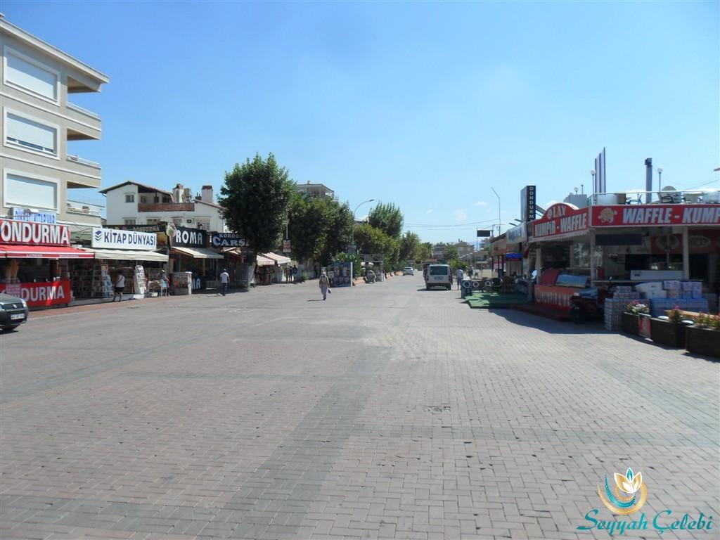 Akçay Sahil Boyu Dükkanlar