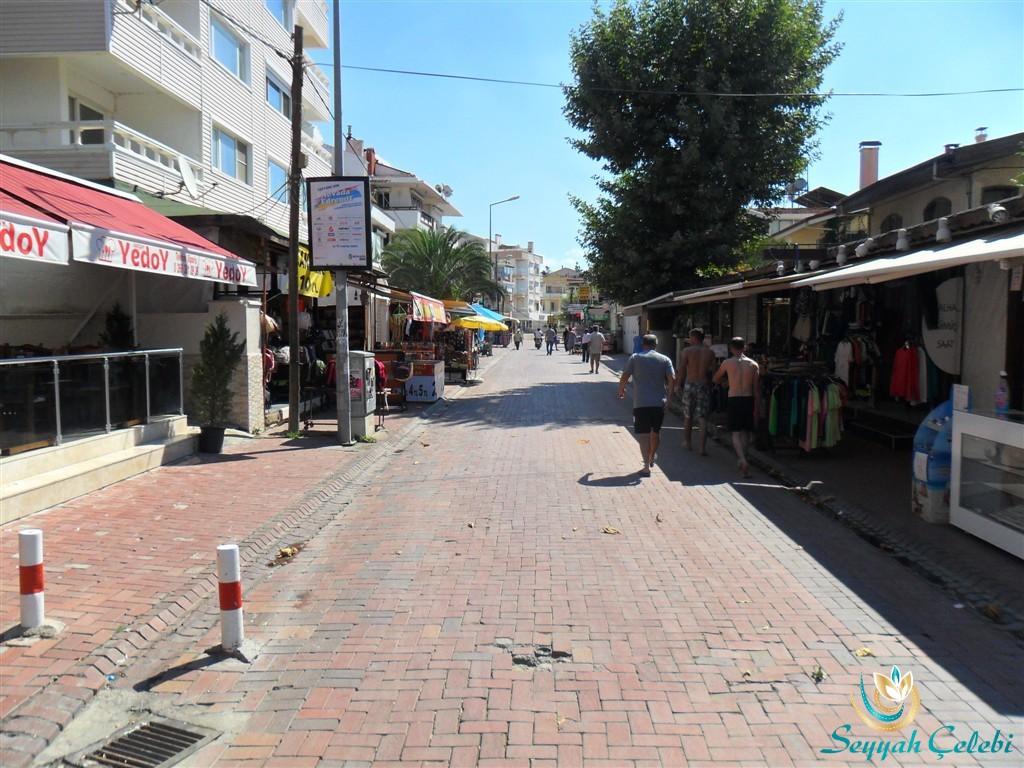 Akçay Sahil Sokakları